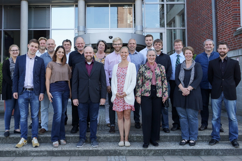 The project partners after the DiDiER kickoff in Oldenburg in September 2016. Janina Sauer (HS-KL), Nicklas Linz (DFKI), Andreas Hein (OFFIS), Jan Alexandersson (DFKI), Pantea Kock (T-Systems), Ludwig Kuhn (EUROKEY), Daniel Bieber (iso), Jochen Britz (DFKI), Bettina Burghardt (DAAB), Johannes Tröger (DFKI), Rebecca Diekmann (Uni OL), Norbert Rösch (HS-KL), Susanne Teichmann (DAAB), Patrick Elfert (OFFIS), Martin Thielen (EUROKEY), Marco Eichelberg (OFFIS), Sonja Lämmel (DAAB), Patrick Roth (EUROKEY), Jens Kretzschmar (iso). Missing: Alexander Münzberg (HS-KL), Julia Wojzischke (Uni OL).